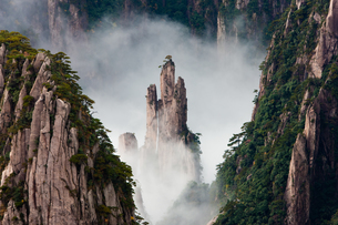 Huang Shan, Anhui Province, Chinaの写真素材 [FYI02246046]