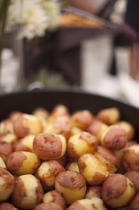 A wedding buffet meal. A dish of new potatoes.の写真素材 [FYI02247047]