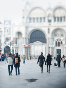 Piazza San Marco and the facade of the huge Basilica San Marco church.の写真素材 [FYI02248979]