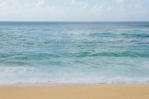 Seascape and beach, North Shore, Oahu, Hawaiiの写真素材 [FYI02251997]