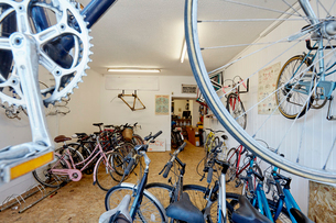A bicycle shop, stocked with sports bikes, mountain and road bicycles.の写真素材 [FYI02252224]