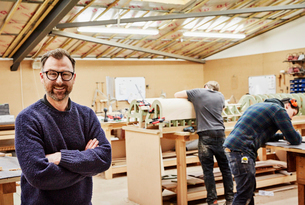 A furniture workshop making bespoke contemporary furniture pieces using traditional skills in modernの写真素材 [FYI02252800]