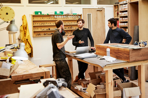 A furniture workshop making bespoke contemporary furniture pieces using traditional skills in modernの写真素材 [FYI02254729]