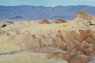 Zabriskie Point at dawn, Death Valley National Park, USA.の写真素材 [FYI02255908]