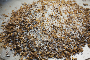 Close up of a heap of brown malt, flavouring for beer.の写真素材 [FYI02256635]