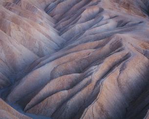 Zabriskie Point at dawn, Death Valley National Park, USA.の写真素材 [FYI02256636]