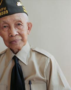 Portrait of elderly WWII veteranの写真素材 [FYI02256750]
