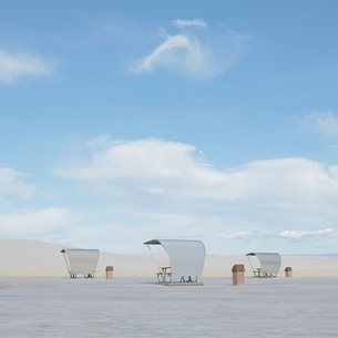 Picnic tables and shelters at White Sands National Parkの写真素材 [FYI02256846]