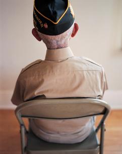 Portrait of seated elderly WWII veteranの写真素材 [FYI02256920]