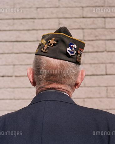 Portrait of elderly Korean War veteran, facing awayの写真素材 [FYI02257120]