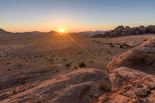 Rock formations in the Wadi Rum  desert wilderness in southern Jordan at sunset.の写真素材 [FYI02259536]