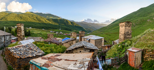 Buildings in Ushguli, a community of four villages located at the head of the Enguri gorge in Svanetの写真素材 [FYI02259791]