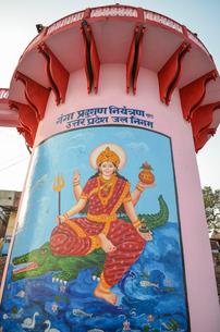 Close up of drawing of a Hindu deity in Varanasi, India.の写真素材 [FYI02260493]