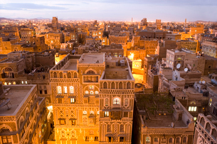 High angle view over rooftops of buildings in the old city of Sana'a in Yemen. A UNESCO world heritaの写真素材 [FYI02260540]