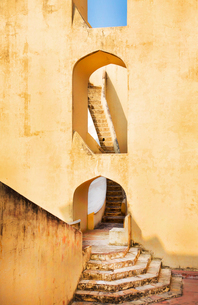 Open staircase in building with pointed arches of an ancient open air observatory.の写真素材 [FYI02262703]