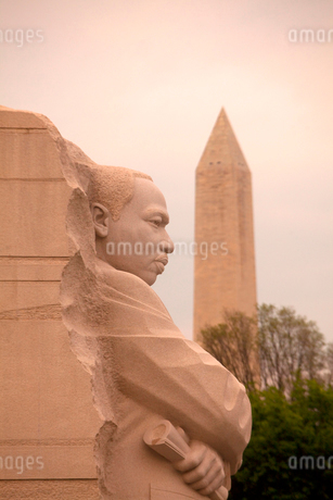 Close up of memorial stone sculpture of Martin Luther King Jr. in Washington D.C., USA.の写真素材 [FYI02262769]