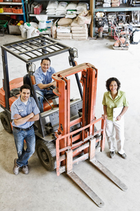 Mixed race team of workers and management person at a landscape company.の写真素材 [FYI02262959]