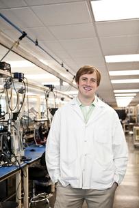 A portrait of a Caucasian male technician in a technical research and development site.の写真素材 [FYI02263258]