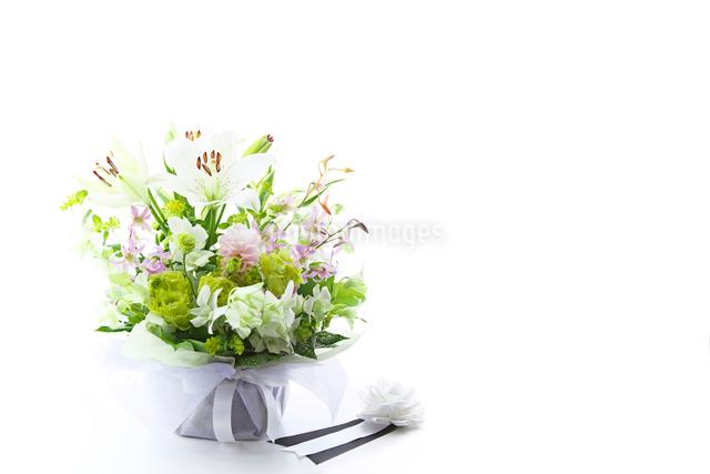 供花と胸章の写真素材 [FYI02264752]