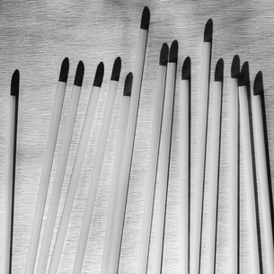 Arrangement of white plastic drinking strawsの写真素材 [FYI02266124]
