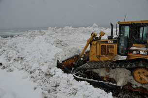寄居浜の雪捨て場の写真素材 [FYI02270683]