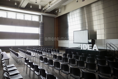 Empty auditorium with Idea letters on stageの写真素材 [FYI02276776]
