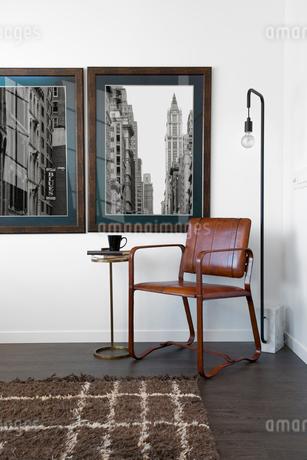 Retro art hanging on wallの写真素材 [FYI02277150]