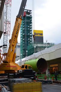 新潟市万代シティの塔解体されるレインボータワーの写真素材 [FYI02278169]