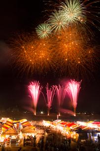 日橋川川の祭典花火大会の写真素材 [FYI02280454]