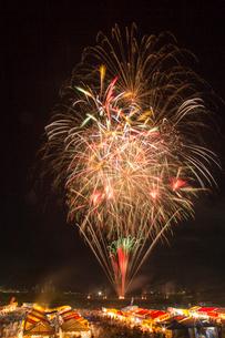 日橋川川の祭典花火大会の写真素材 [FYI02280699]