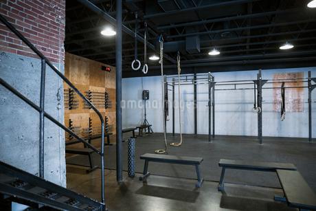 Vacant crossfit gym equipmentの写真素材 [FYI02283507]