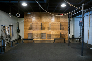 Vacant crossfit gym equipmentの写真素材 [FYI02284858]