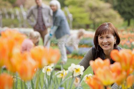 portait of mature female gardenerの写真素材 [FYI02286319]