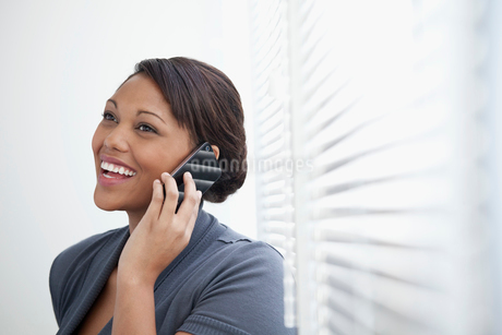 pretty, young, black business womanの写真素材 [FYI02286461]