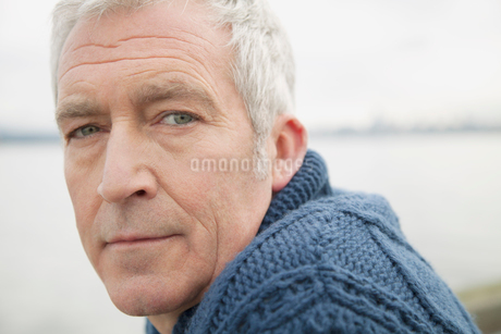 portrait of middle aged manの写真素材 [FYI02287457]