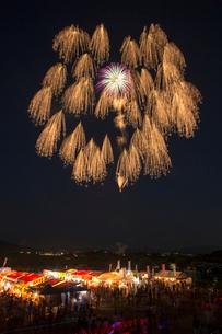 日橋川川の祭典花火大会の写真素材 [FYI02287883]