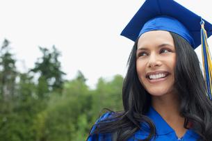 portrait of graduate in cap and gownの写真素材 [FYI02289793]