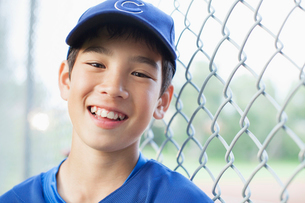 Portrait of twelve year old baseball player.の写真素材 [FYI02289932]