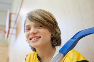 Portrait of male, floor hockey player.の写真素材 [FYI02290313]