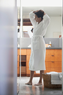 woman getting ready for spaの写真素材 [FYI02291404]