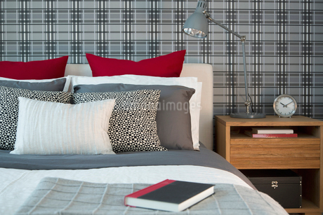 Contemporary bedroomの写真素材 [FYI02292372]