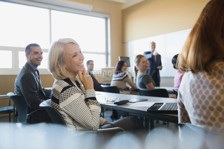 Business colleagues laughing in training classの写真素材 [FYI02292406]