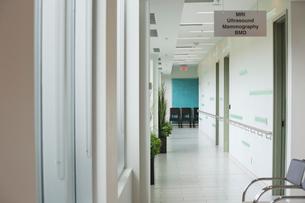 Empty corridor in Radiology Centerの写真素材 [FYI02294196]