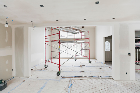 Interior of house under constructionの写真素材 [FYI02295846]