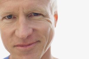 Close-up portrait of confident manの写真素材 [FYI02301435]