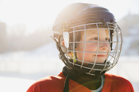 Ice hockey player looking awayの写真素材 [FYI02302713]