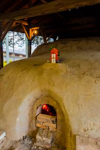 益子焼 登り窯の本焼きの神棚の写真素材 [FYI02306474]