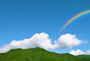 里山と虹の写真素材 [FYI02310817]