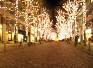 丸の内仲通りのクリスマスイルミネーションの写真素材 [FYI02311329]