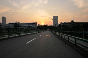 青山陸橋と日の出の写真素材 [FYI02311392]